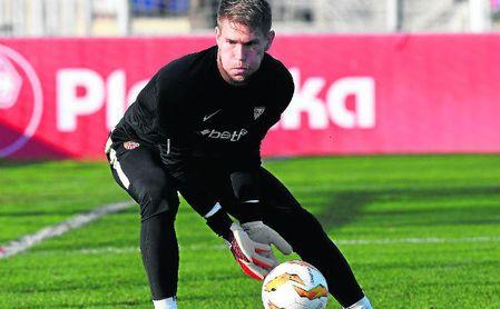 El Sevilla FC negocia la renovación de Vaclik.