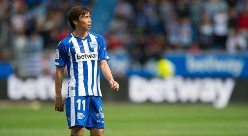 El Alavés quiere contar con Takashi Inui, pero no pagará lo que pide el Betis
