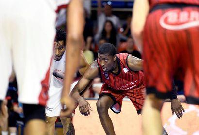 El Gran Canaria presenta una oferta por el alero nigeriano Stan Okoye