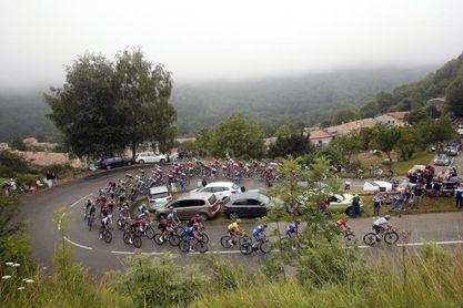 Simon Yates suma su segundo triunfo en el Tour, Alaphilippe sigue líder