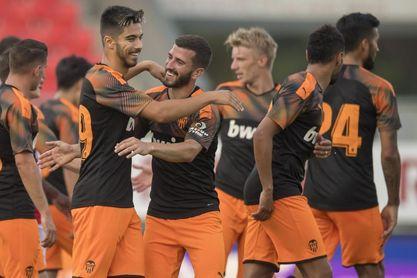 0-3. La dupla Rodrigo-Maxi ilusiona y da el primer triunfo al Valencia