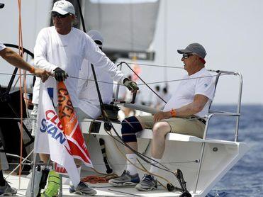 """La flota, con el rey Felipe en el """"Aifos 500"""", navega hacia la fase final"""