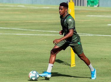 El Barça ficha a Júnior por 18 millones de euros fijos y otros 12 variables