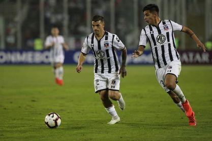 Colo Colo abre la jornada en Chile con la meta de acercarse a la Católica