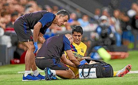 Suárez cayó lesionado en el estreno liguero en San Mamés.