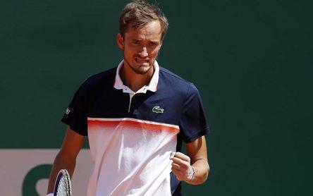 Medvedev elimina a Djokovic y jugará contra Goffin una final inédita