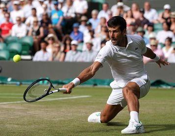 Djokovic sigue al frente, Roberto Bautista nuevo en el Top-10