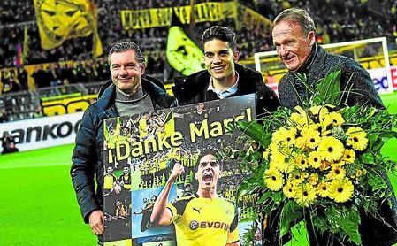 Marc Bartra es muy querido por el Dortmund y su afición.