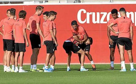 El Sevilla inscribe 23 futbolistas en la lista A y ocho en la B