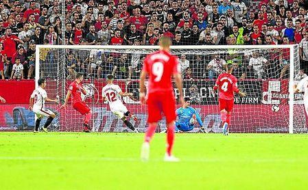 Una imagen que se está volviendo habitual en los Sevilla FC-Real Madrid.