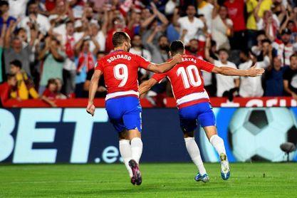 2-0. Un flojo y decepcionante Barcelona cae ante un Granada que se coloca líder