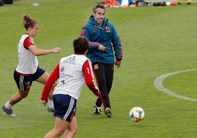 La selección española llega a Galicia para preparar su cita con Azerbaiyán