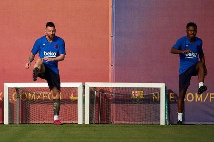 Ansu Fati se entrena con normalidad y podría estar ante el Sevilla