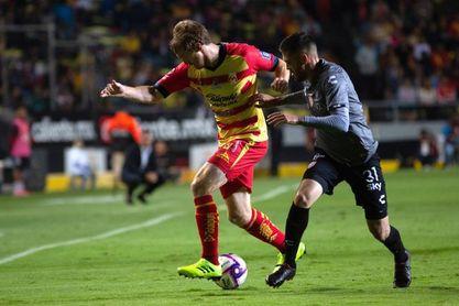 El argentino Mauro Quiroga anota dos goles y pone al Necaxa en el liderato