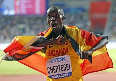 Cheptegei sucede a Mo Farah como rey del 10.000