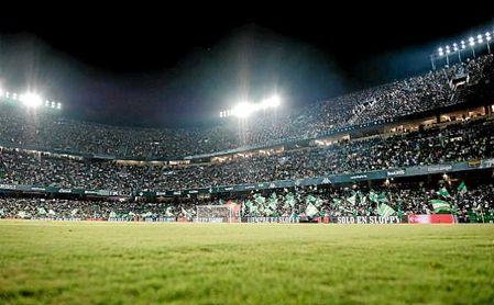 El Betis comenzará la próxima semana los trabajos para sustituir el césped del Villamarín.