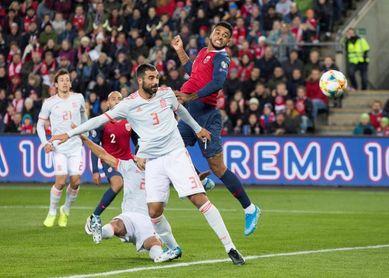 La gira nórdica da la clasificación a la Eurocopa pero congela las ilusiones