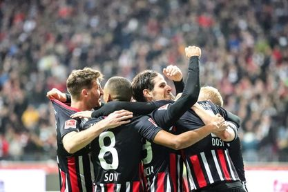 El Eintracht golea a un ineficaz Leverkusen (3-0)