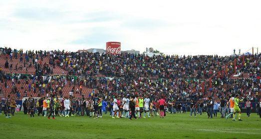 El Querétaro gana al San Luis en partido suspendido por invasión de la cancha