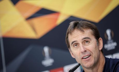 El Sevilla traslada la alegría del derbi a una jornada lúdica de 'paintball'