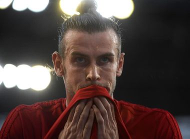 0-2. Gales y Bale se aferran a la Eurocopa
