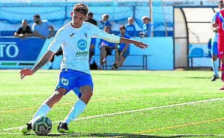 Miguel Gómez, el 'jefe' del líder Castilleja - http://estadiodeportivo.com/