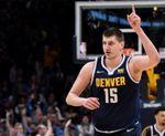 105-95. Jokic logra doble-doble y los Nuggets detienen a los Rockets