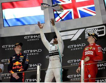 Hamilton apunta al 'Kaiser', Max y Leclerc brillan y Sainz firma su mejor año