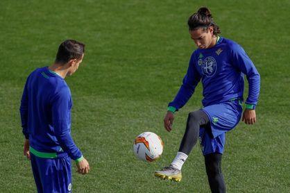 Andrés Guardado y Diego Lainez, los dos polos