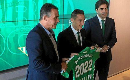 Guardado compareció junto a Ángel Haro y Alexis Trujillo.