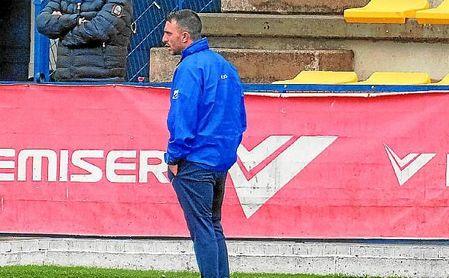 José González Fajardo 'Ché', entrenador del San José, durante un encuentro de Liga.