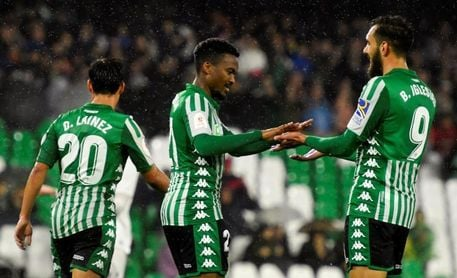 El Betis renueva a Kaptoum hasta 2022 antes de cederlo al Almería