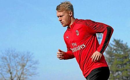 Simon Kjaer, en un entrenamiento del Milan.
