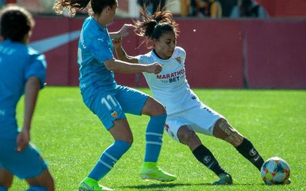La internacional chilena ha sido intervenida de su rodilla izquierda.