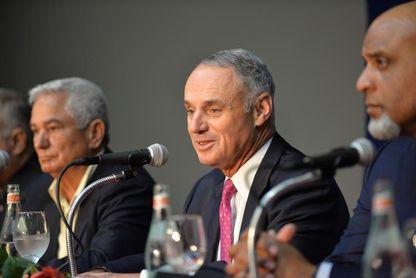 """Siguen las """"amenazas"""" físicas contra los Astros y las críticas a Manfred, que se disculpa"""