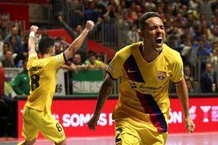 3-4. El Barça sufre, remonta y reafirma su hegemonía