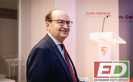 """José Castro y la política de fichajes: """"Intentamos hacer más con menos"""""""