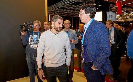 Emery, con Valverde, en un acto reciente.