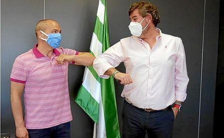 Así ha anunciado el Córdoba la continuidad de Juan Sabas.