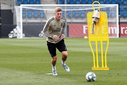 Zidane aprieta a sus jugadores con ejercicios de potencia física y presión