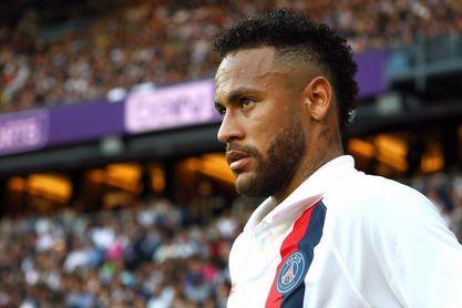 Neymar logra suspensión provisional de millonaria multa