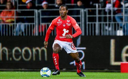 A Ibrahima Diallo se le queda ya pequeño el Brest.