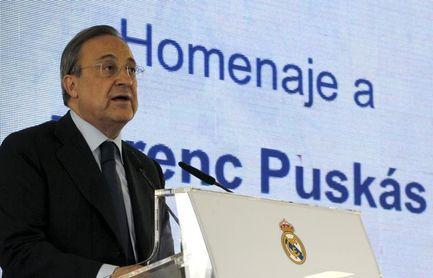 Florentino Pérez y el ministro de Exteriores húngaro rinden homenaje a Puskas