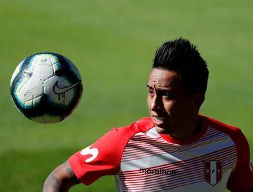Christian Cueva es el primer seleccionado de Perú en volver a los entrenamientos