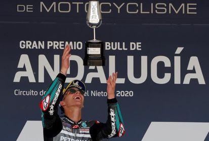 Quartararo arrolla, con Márquez y los motores Yamaha en el punto de mira
