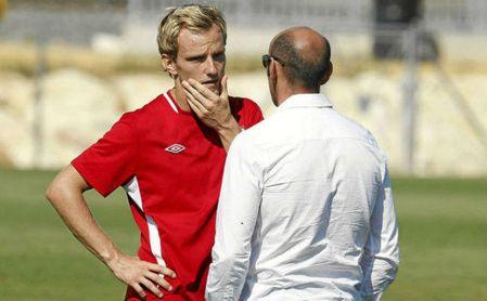 Monchi y Rakitic ya han hablado de aspectos concretos de su posible contrato en el Sevilla.