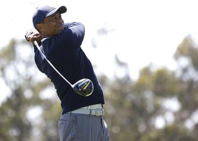 Tiger Woods y Rory McIlroy siguen en el fondo de la clasificación