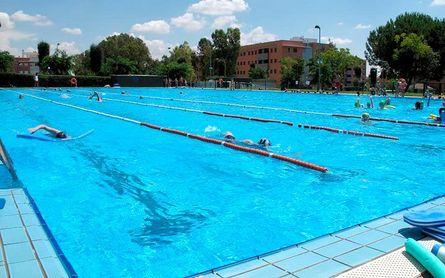Dos Hermanas mantendrá abiertas sus piscinas
