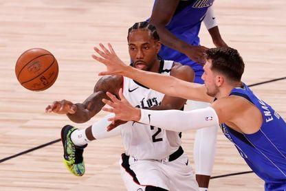 Nuggets siguen con vida; Clippers se vengan y humillan a Mavericks