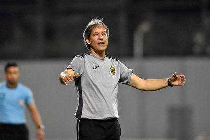 El San Carlos del colombiano Restrepo lidera grupo en el fútbol de Costa Rica